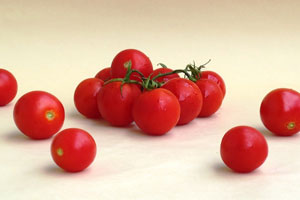 Tomato Juice for pimple cure by kalavita sinhala website